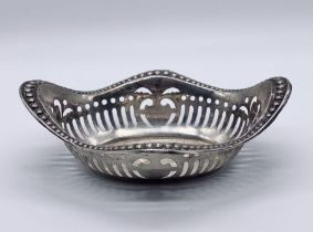 A hallmarked silver sweetmeat dish, weight 47.7g