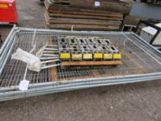 6 X HERAS TYPE TEMPORARY SITE FENCE PANELS WITH STABILISER LEGS AND FEET.