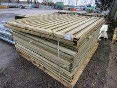 STACK CONTAINING APPROXIMATELY 18 X TIMBER FENCE PANELS.