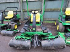 JOHN DEERE 2500B 3 WHEELED GREENS MOWER WITH COLLECTION BOXES. YEAR 2007 BUILD.