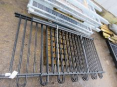 3 X BOW TOP BLACK RAILINGS. 1.4M HEIGHT WITH 2 X POSTS. (PALLET A)