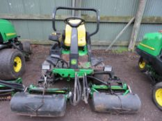 JOHN DEERE 2500A 3 WHEELED GREENS MOWER WITH COLLECTION BOXES. YEAR 2005 BUILD.