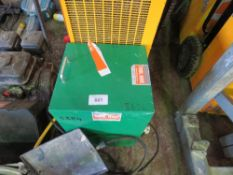 2 X DEHUMIDIFIERS PLUS A GAS AND A RADIANT HEATER. UNTESTED, CONDITION UNKNOWN.