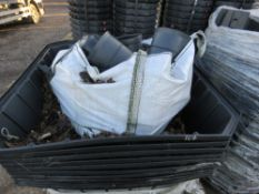 PALLET CONTAINING GREENLEAF ROOT DIRECTOR CHAMBERS PLUS PIPE COLLARS.