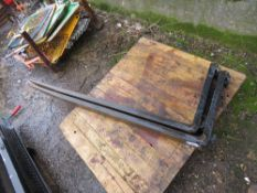"""LONG SET OF FORKLIFT TINES, LITTLE SIGN OF USE. 1250X500 SIZE, SMALL CARRIAGE FITTING (16"""" APPROX)"""