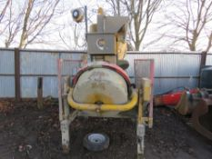 EDIL LAME 3 PHASE POWERED SELF LOADING BATCH MIXER. COMES WITH TRANSPORT WHEELS. WAS RECENTLY WORKIN