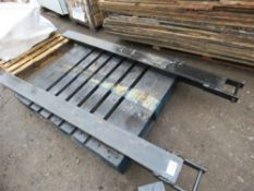 PAIR OF EXTENSION FORK TINE SLEEVES, 6FT LENGTH APPROX WITH SECURING PINS.