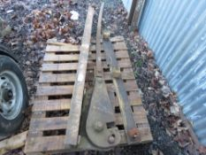 HEAVY DUTY MANUAL BAR CROPPER.