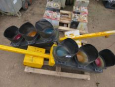 4 X MOBILE TRAFFIC LIGHTS FOR SPARES/REPAIR WITH BATTERIES ON A PALLET.