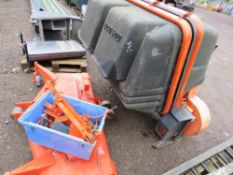 KUBOTA TYPE MID MOWER DECK 5FT WIDE PLUS A POWERED COLLECTOR UNIT.
