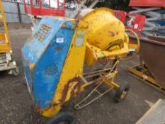 BENFORD DIESEL SITE MIXER WITH LISTER LT1 HANDLE START ENGINE, WITH HANDLE. WHEN TESTED WAS SEEN TO