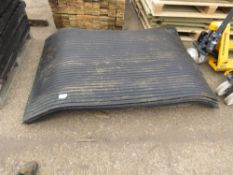 6 X RUBBER STABLE MATTING SHEETS 1.8M X 1.2M APPROX.