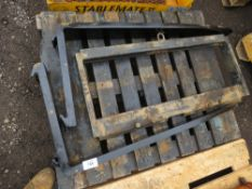 FORKLIFT TINES WITH BACKPLATE ASSEMBLY.