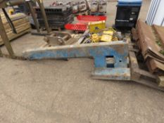 EXTENDING FORKLIFT JIB 700KG RATED 6FT CLOSED LENGTH.