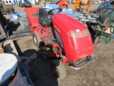 COUNTAX C400H RIDE ON MOWER WITH COLLECTOR. HYDRASTATIC DRIVE. WHEN TESTED WAS SEEN TO RUN, DRIVE A