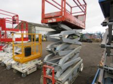 SKYJACK 3226 SCISSOR LIFT ACCESS PLATFORM, . SN:27865. YEAR 2001. WHEN TESTED WAS SEEN TO DRIVE, ST