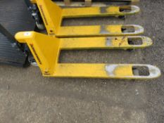 HYDRAULIC PALLET TRUCK, WHEN TESTED WAS SEEN TO LIFT AND LOWER.