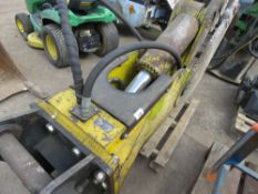 LARGE SET OF CONCRETE MUNCHER JAWS FOR EXCAVATOR, 80MM PINS.