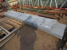 PALLET CONTAINING METAL INTERNAL PARTITION STUDS. 9CM X 3CM APPROX, 3M AND 3.5M LENGTH APPROX.