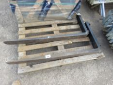 """PAIR OF LINDE 2.5TONNE 16"""" CARRIAGE FORKLIFT TINES, LITTLE SIGN OF WEAR."""