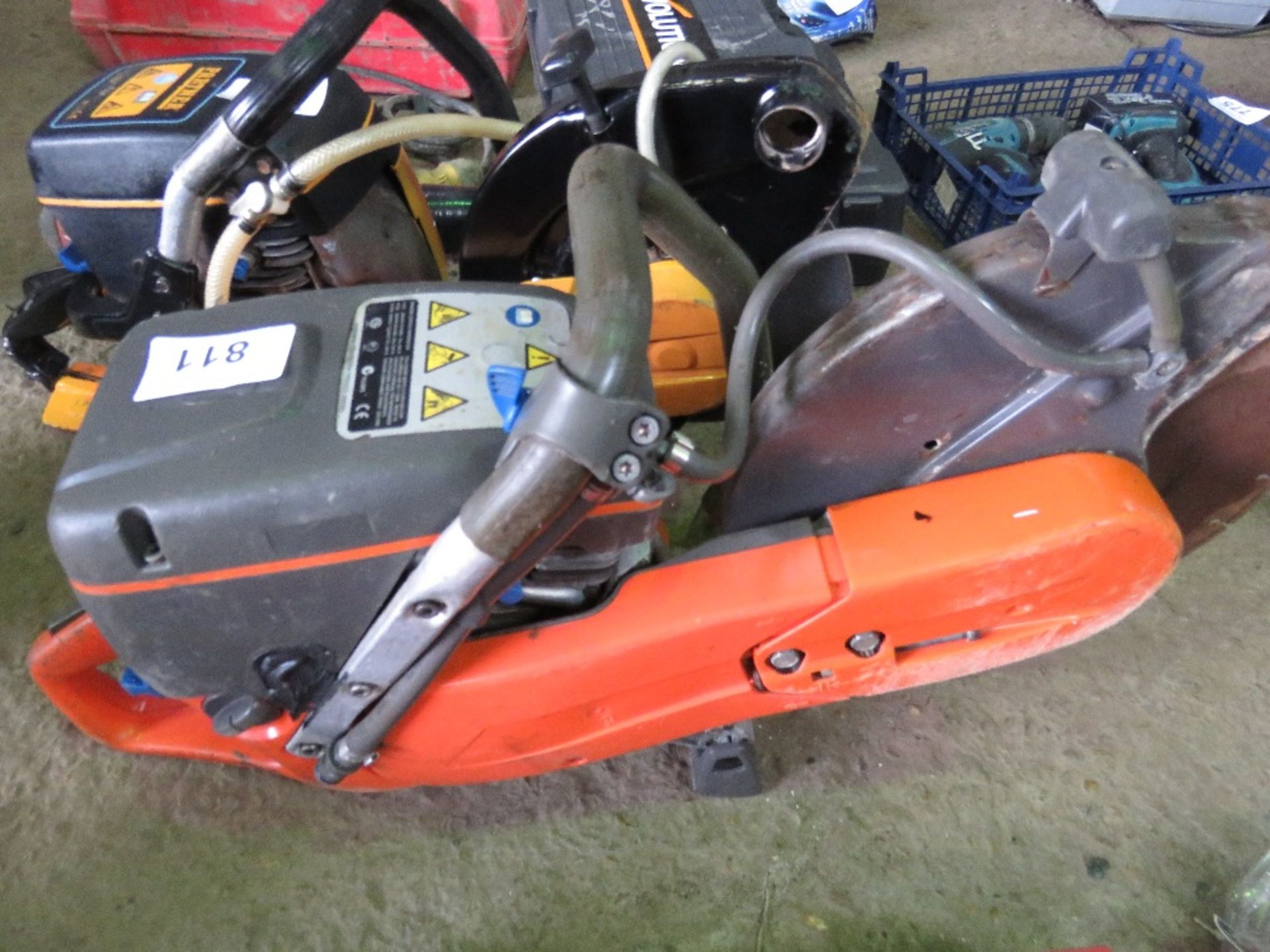 HUSQVARNA K760 PETROL SAW WITH A BLADE. - Image 2 of 2