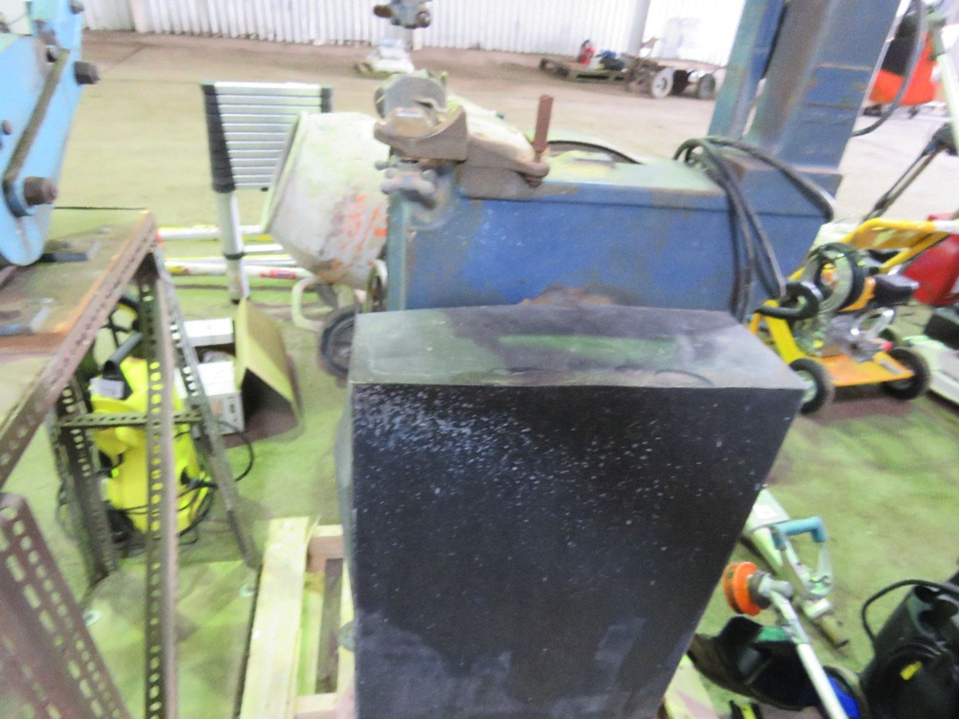 FRET SAW, 240VOLT POWERED. - Image 2 of 3