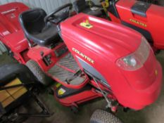 COUNTAX C300H RIDE ON MOWER WITH COLLECTOR. WHEN TESTED WAS SEEN TO DRIVE AND MOWERS ENGAGED.