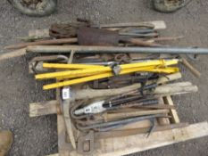 PALLET OF ASSORTED HAND TOOLS.