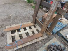 3 POINT LINKAGE MOUNTED PALLET FORKS.