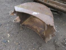"""RIDDLE BACKED BUCKET , 18""""WIDE, FOR MINI EXCAVATOR ON 45MM PINS."""