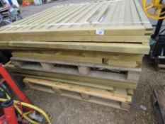 2 X LARGE PALLETS OF ASSORTED WOODEN FENCING PANELS.