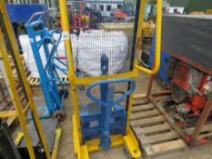 COOLIE 350 HAND OPERATED HYDRAULIC FORK LIFT WITH FLAT DECK. 500KG CAPACITY, YEAR 2002. WHEN TESTED