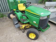 JOHN DEERE GX355 2WD RIDE ON MOWER WITH COLLECTOR. DIESEL ENGINE, 940 REC HOURS APPROS, YEAR 2003