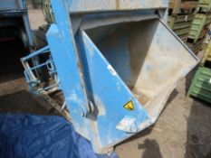 EICHINGER CRANE/EXCAVATOR MOUNTED CONCRETE SKIP WITH CONTROLLED FLOW. 3000KG RATED.