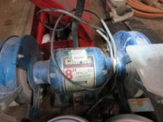 SMALL SIZED 240VOLT BENCH GRINDER. SOURCED FROM COMPANY LIQUIDATION.