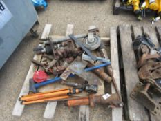 PALLET OF ASSORTED AIR TOOLS AND SUNDRIES.