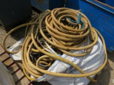 LARGE PALLET OF AIR HOSES.