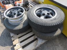 """LANDROVER 16"""" WHEELS AND TYRES/RIMS. LANDROVER 16"""" WHEELS AND TYRES/RIMS."""