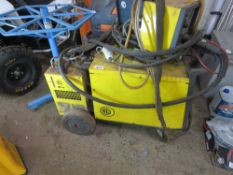 CEA MAXI 405 WELDER WITH TR4 WIRE FEED HEAD UNIT. SOURCED FROM COMPANY LIQUIDATION.