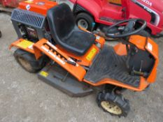 AUSA MASO BANK CUTTING RIDE ON MOWER. WHEN TESTED WAS SEEN TO RUN, DRIVE AND MOWERS ENGAGED. POSSIBL