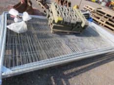 10 X HERAS TYPE SITE MESH FENCE PANELS WITH CLIPS AND FEET. NO VAT ON HAMMER PRICE.