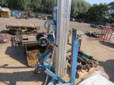 GENIE 3 STAGE MATERIAL LIFT UNIT WITH FORKS.