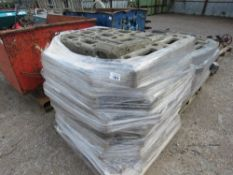 PALLET OF HERAS TYPE TEMPORARY FENCE BASES/FEET.