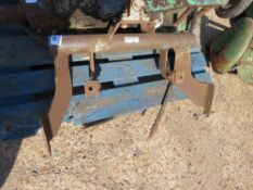 TOW BAR FRAME WITH HITCH. NO VAT ON HAMMER PRICE.