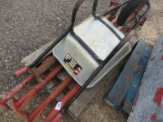 5 X ACROW TYPE SUPPORT PROPS PLUS A BARROW. NO VAT ON HAMMER PRICE.