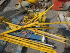 2 X PALLETS OF TRAFFIC LIGHT HEADS AND RELATED EQUIPMENT.