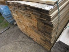 LARGE PACK OF UNTREATED HIT AND MISS FENCE CLADDING TIMBER BOARDS, 1.74 M LENGTH X 10CM WIDTH APPROX