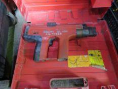 HILTI DX450 NAIL GUN.
