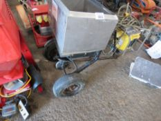 SMALL SIZED SPREADER UNIT FOR GARDEN TRACTOR.