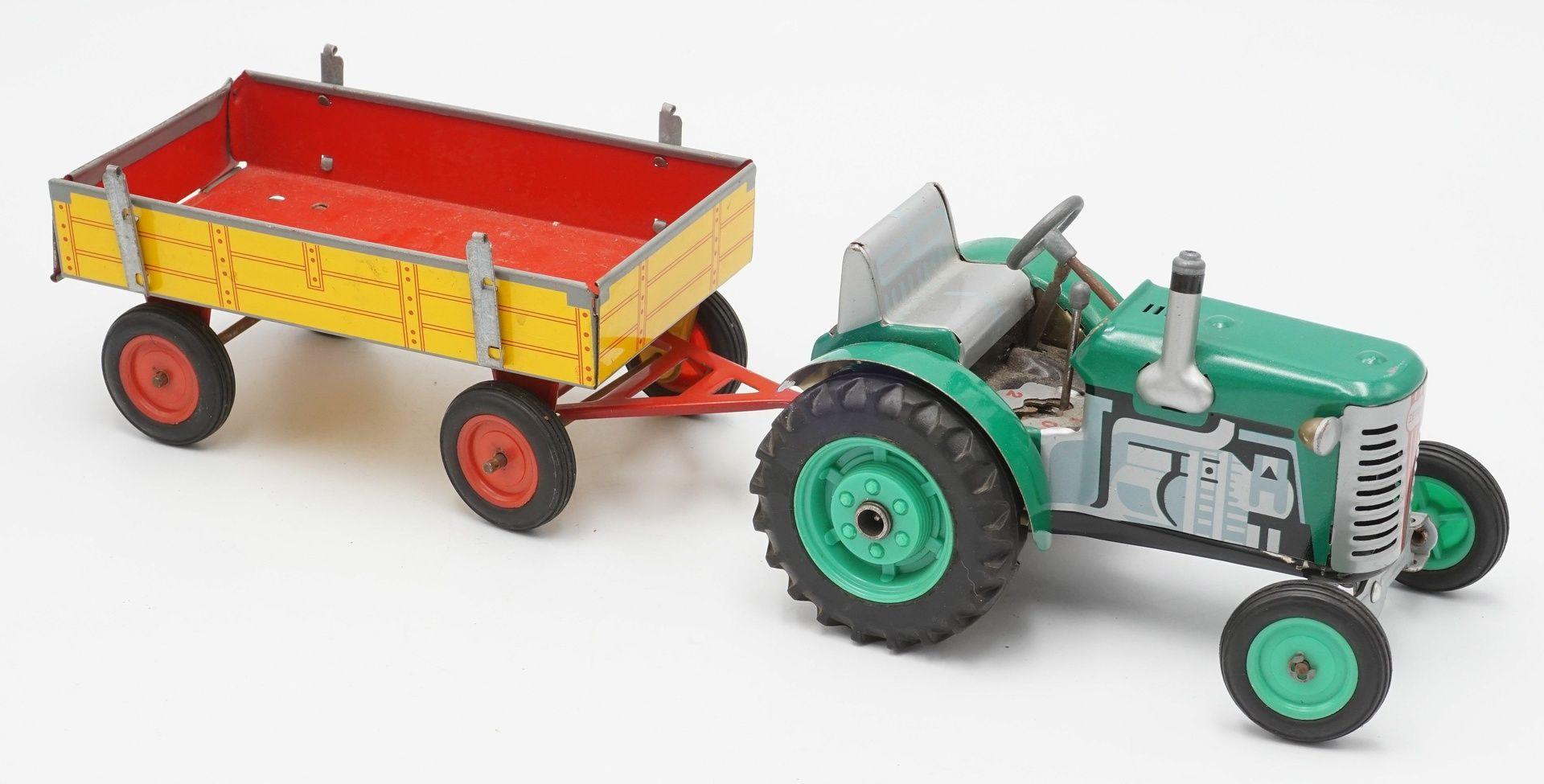 Zwei Zetor Traktoren mit Anhängern - Bild 2 aus 5